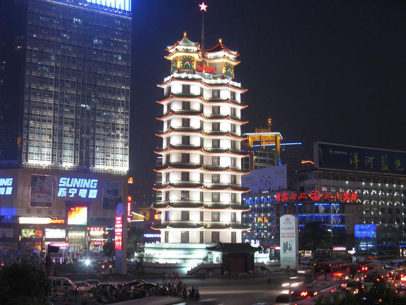 郑州二七纪念塔 资料图片