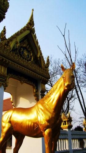 白馬寺旁新建的寺廟