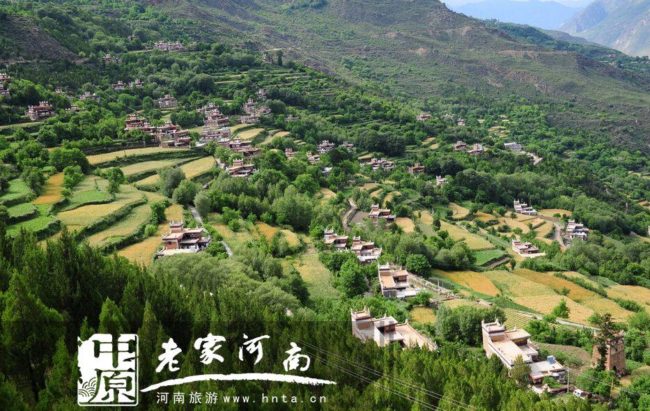 """丹巴的""""三绝"""":甲居藏寨"""