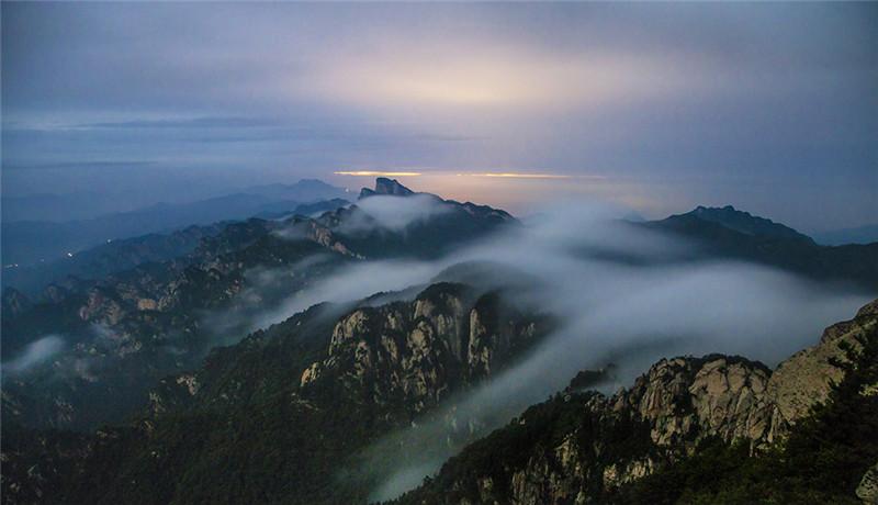 松涛云海——风吹过山林,发出一阵阵大海的波涛声 ,气势恢宏,波澜壮阔